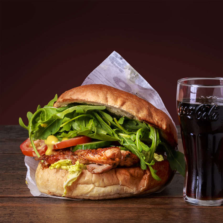 Burger comared to a glas of cola